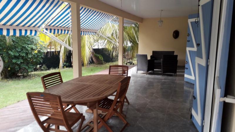 Sale house / villa Sainte anne 394000€ - Picture 1