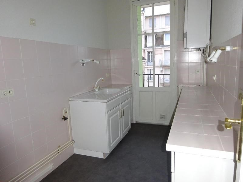 Location appartement Vichy 580€ CC - Photo 3
