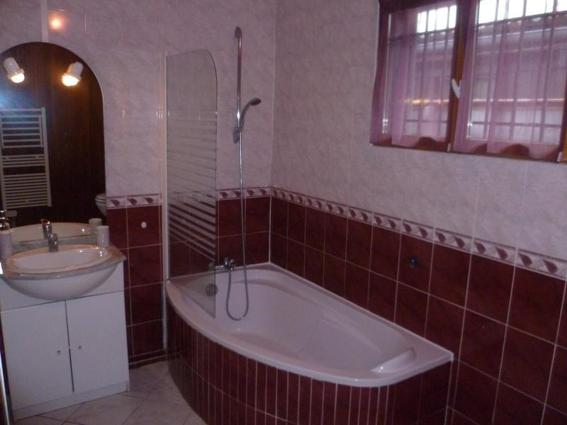 Location maison / villa Saint jean d'illac 990€ CC - Photo 4