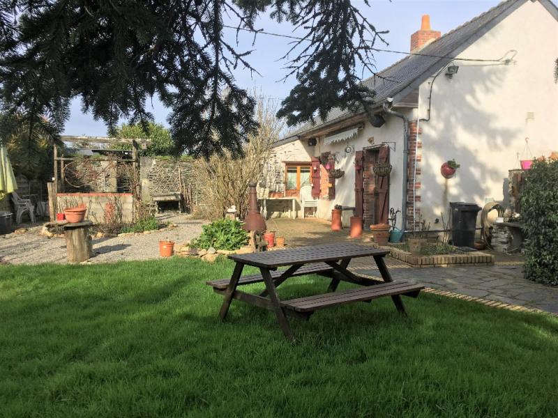Sale house / villa Noyant la gravoyere 142000€ - Picture 1