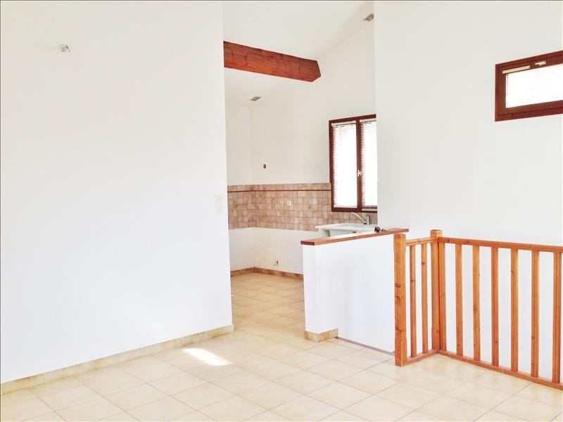 Location appartement Gemenos 750€ CC - Photo 3