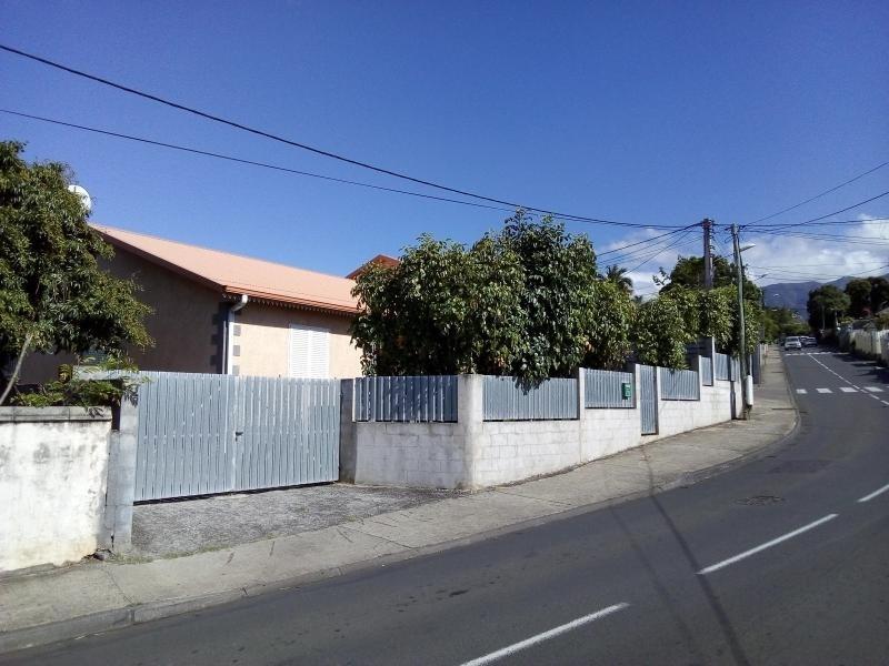Rental house / villa La riviere 791€ CC - Picture 1