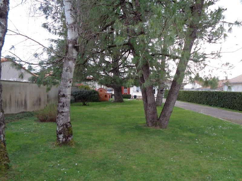 Sale house / villa Magne 220500€ - Picture 7