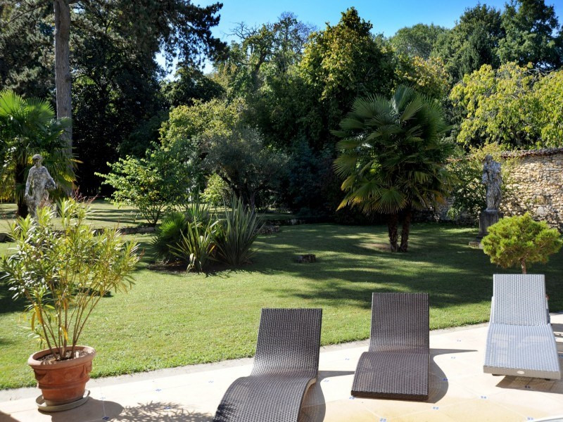 Deluxe sale house / villa Burie 1 456 000€ - Picture 12