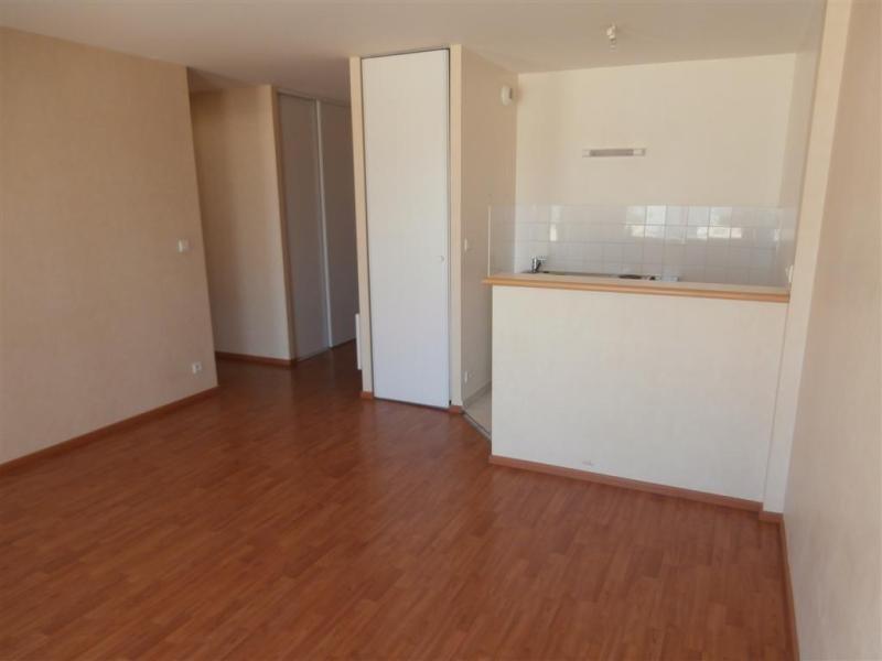 Location appartement Couëron 527€ CC - Photo 2