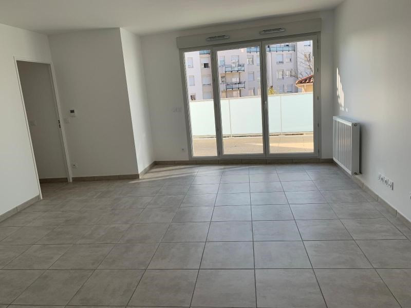 Location appartement Villeurbanne 925€ CC - Photo 2