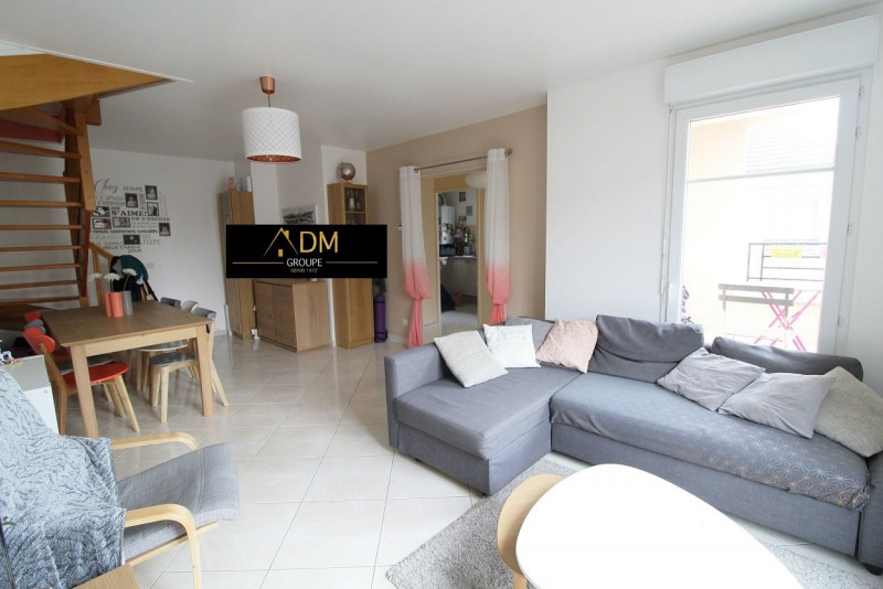 Sale apartment Maurepas 239900€ - Picture 1