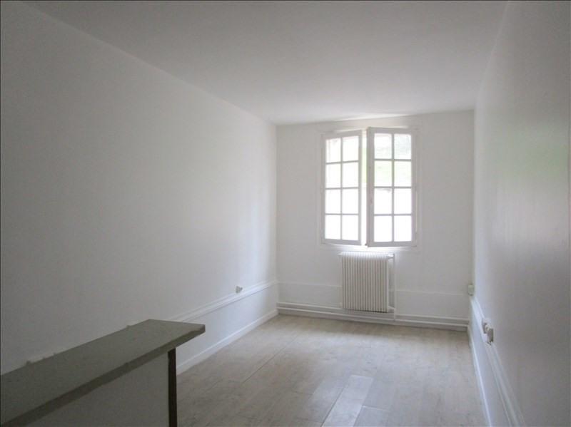 Sale apartment Versailles 130000€ - Picture 2