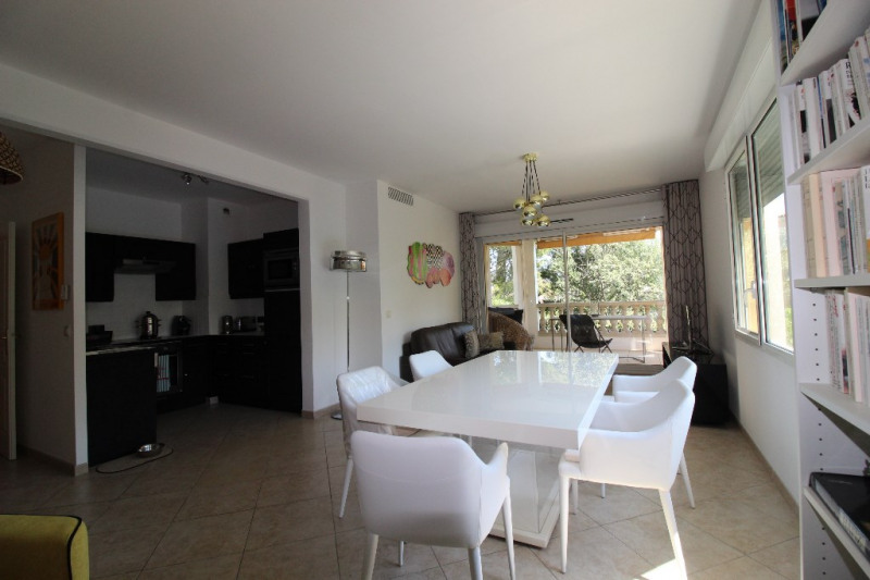 Vente appartement Hyeres 349 900€ - Photo 6
