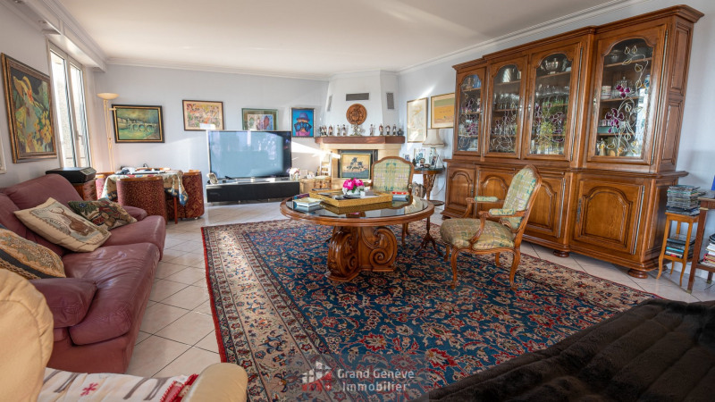 Deluxe sale apartment Annemasse 780000€ - Picture 2
