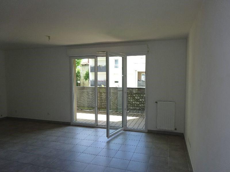 Location appartement Pierre-bénite 810€ CC - Photo 2