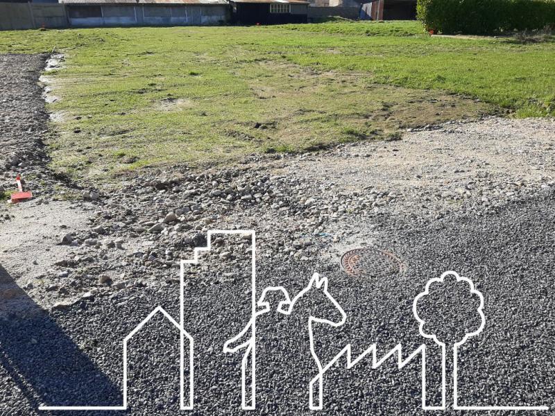 Terrain constructible beaufou - 690 m²
