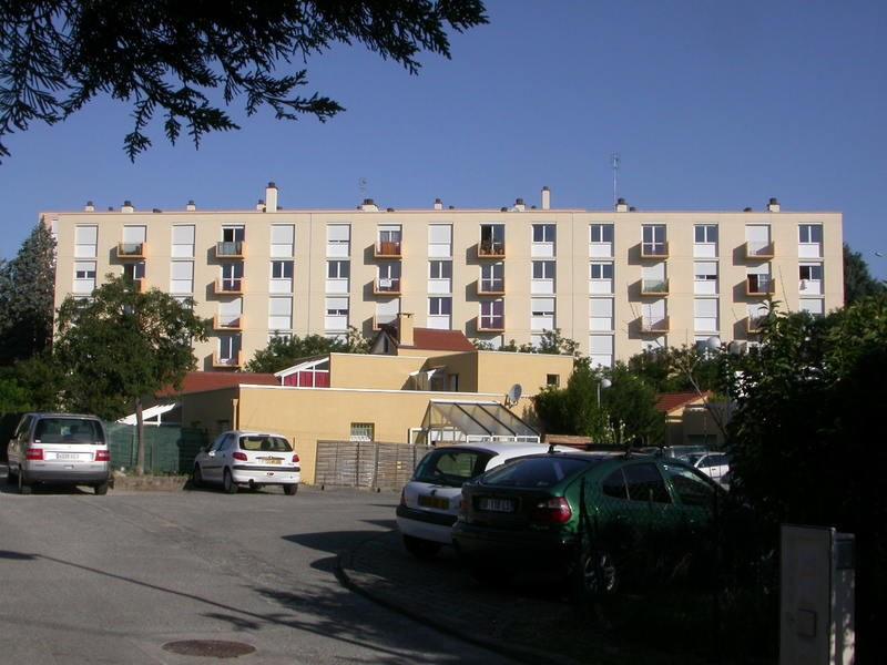 Romans à vendre appartement T3 au deuxième etage