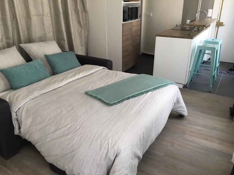 Location appartement Paris 3ème 1 250€ CC - Photo 2