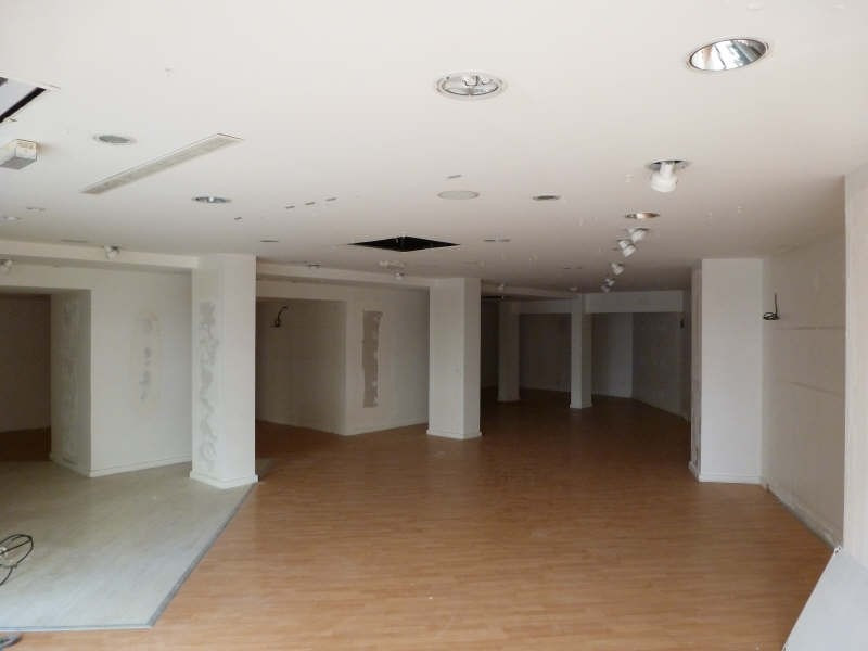 Location local commercial Chatellerault 1 470€ HT/HC - Photo 2