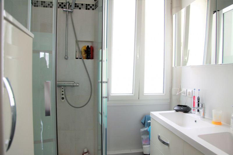 Revenda apartamento Paris 15ème 655000€ - Fotografia 8