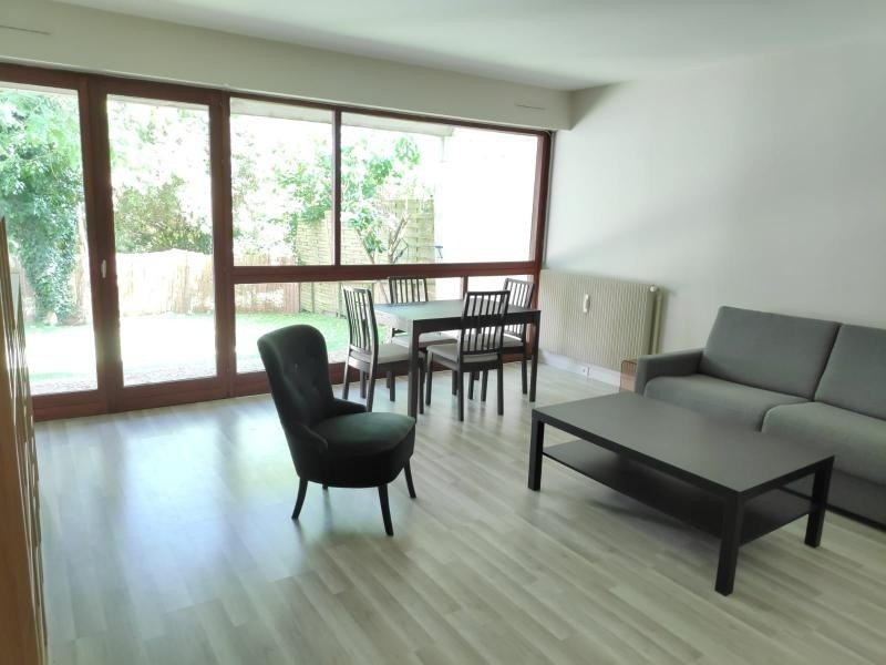 Rental apartment Le pecq 940€ CC - Picture 3