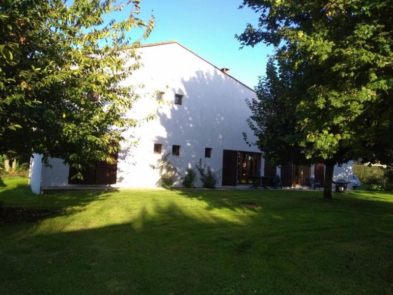 Sale house / villa Bourg charente 273000€ - Picture 1