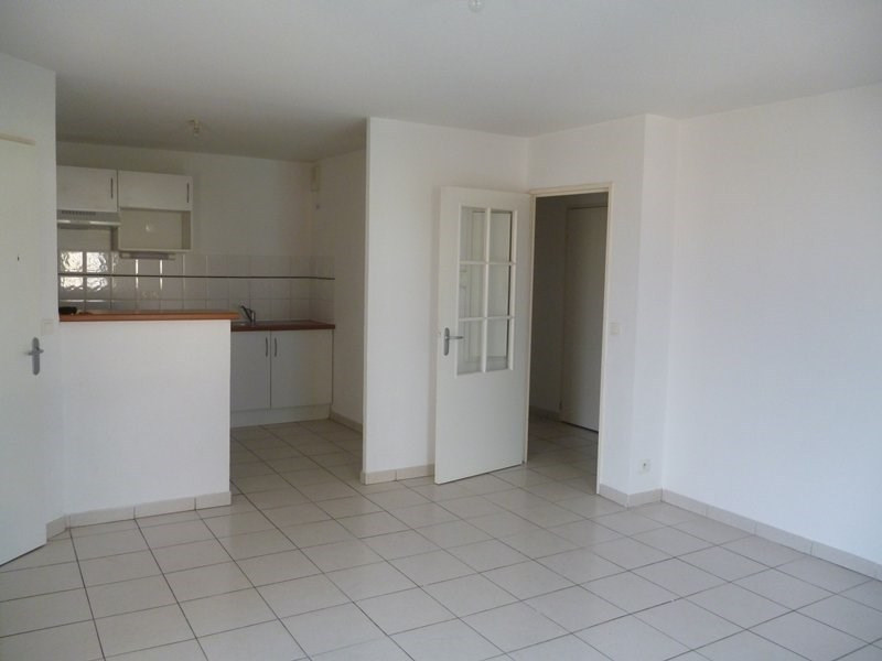 Rental apartment Tarbes 539€ CC - Picture 2