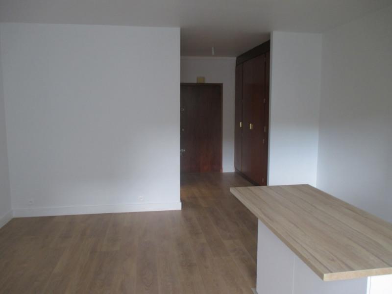 Rental apartment Paris 14ème 1035€ CC - Picture 2