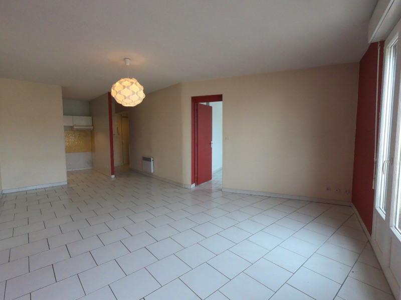 Location appartement Marseille 10ème 546€ CC - Photo 2