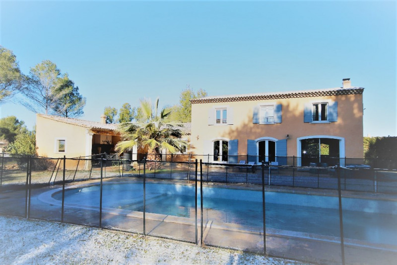 Rental house / villa Meyrargues 2 900€ CC - Picture 1
