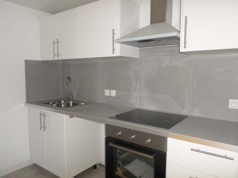 Location appartement Salon de provence 616€ CC - Photo 3