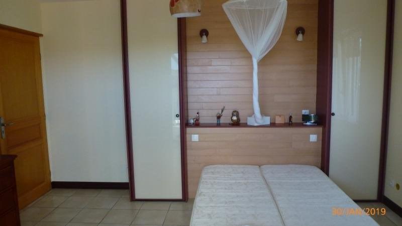 Sale house / villa Ste anne 399000€ - Picture 9