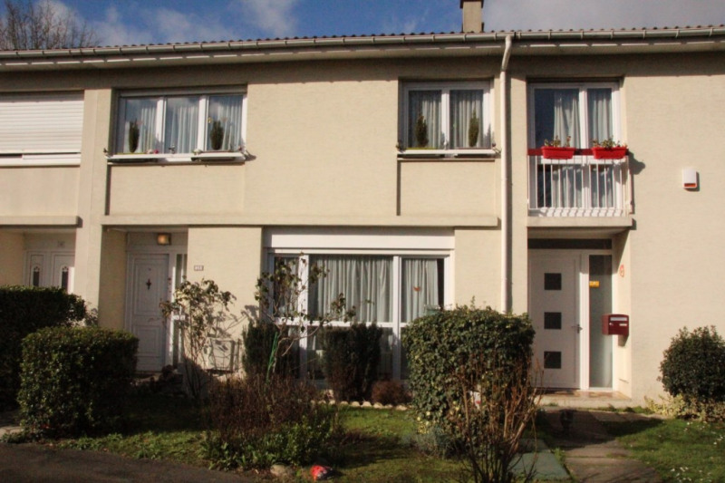 Sale house / villa Osny 220000€ - Picture 1