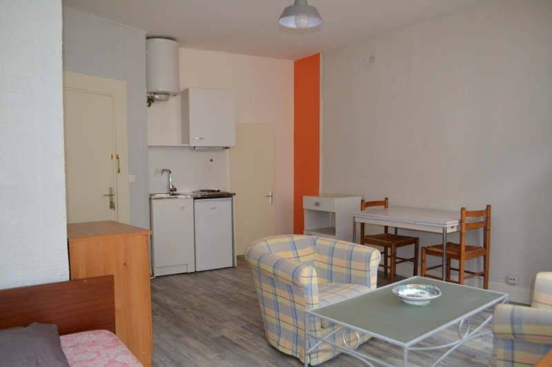 Location appartement Chambery 400€ CC - Photo 1