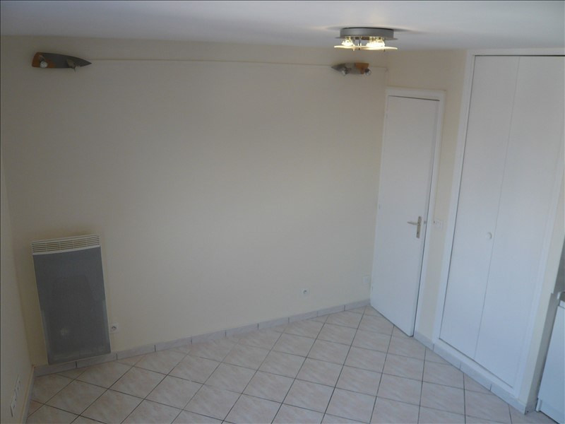 Location appartement Noisy le grand 720€ CC - Photo 3