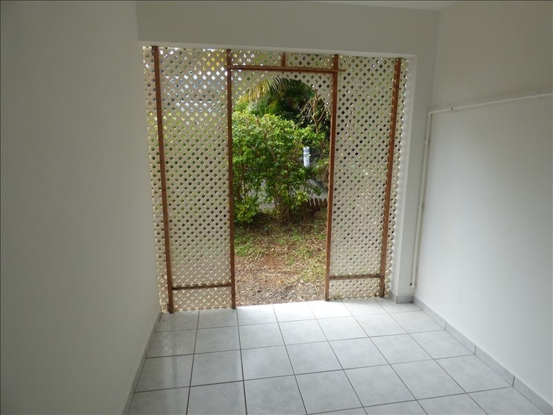 Investment property apartment St pierre 78 500€ - Picture 2