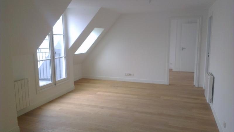 Rental apartment Paris 17ème 1850€ CC - Picture 1