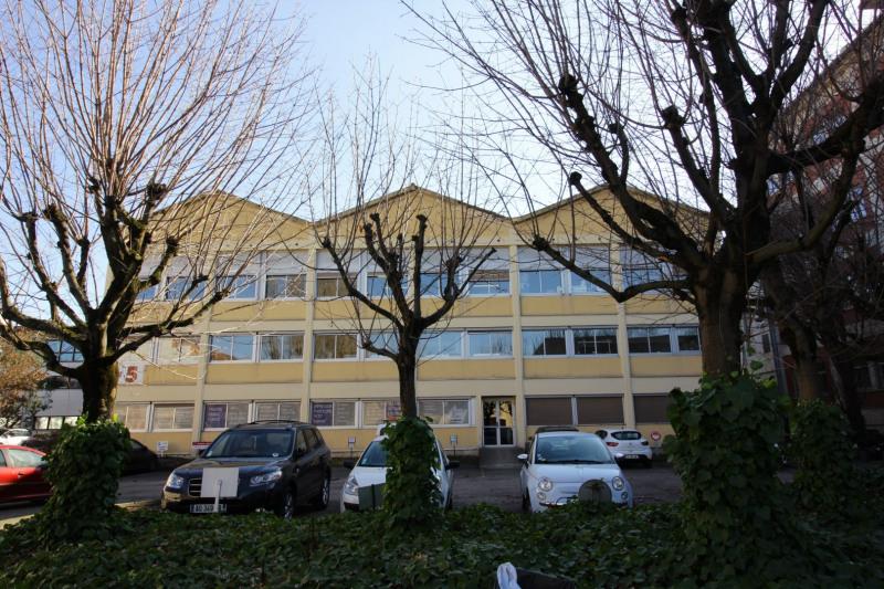 Bureaux 150 m² + 4 parkings
