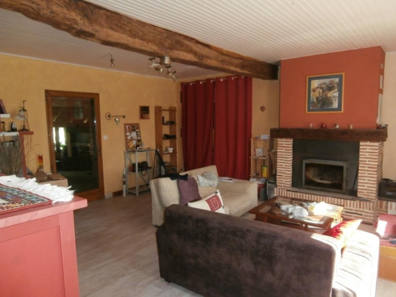 Sale house / villa Saint pierre d'eyraud 165 250€ - Picture 3