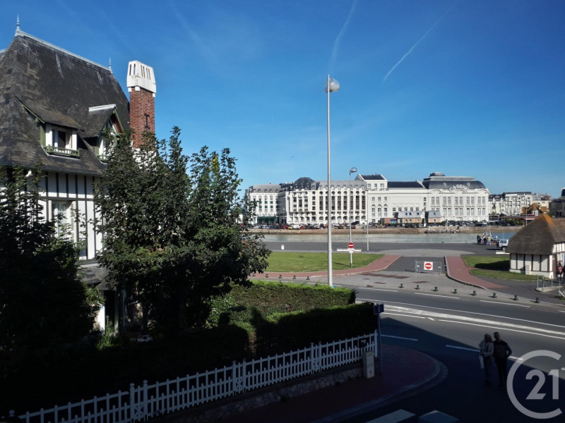 Revenda residencial de prestígio casa Deauville 595000€ - Fotografia 2