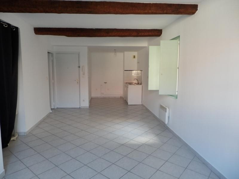 Rental apartment Toulon 440€ CC - Picture 1