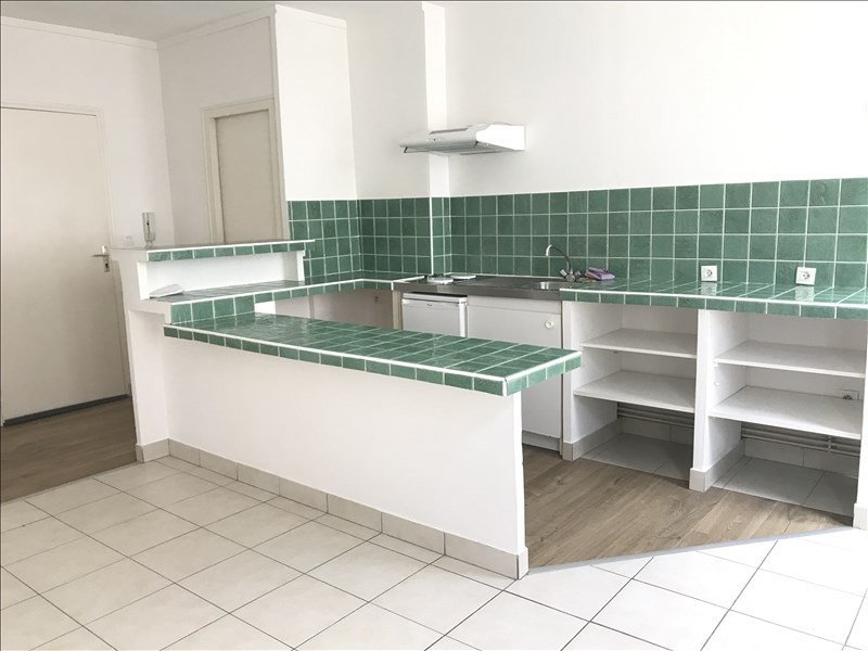 Location appartement Niort 396€ CC - Photo 2