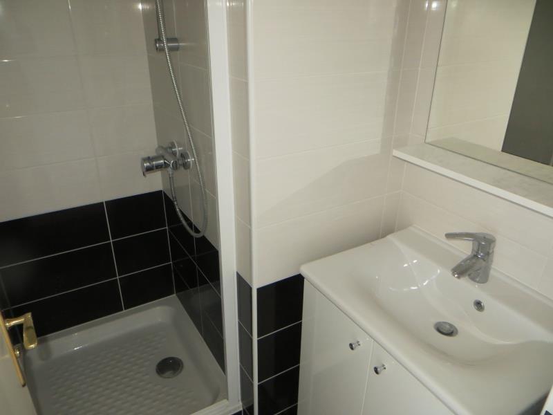 Rental apartment Issy les moulineaux 1384€ CC - Picture 9
