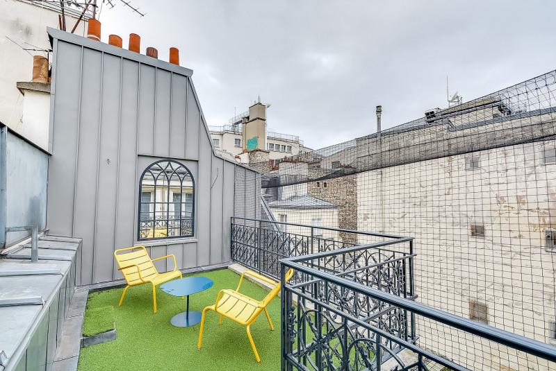 Rental apartment Paris 10ème 3750€ CC - Picture 1