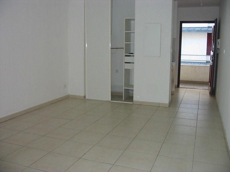 Location appartement St denis 399€ CC - Photo 2