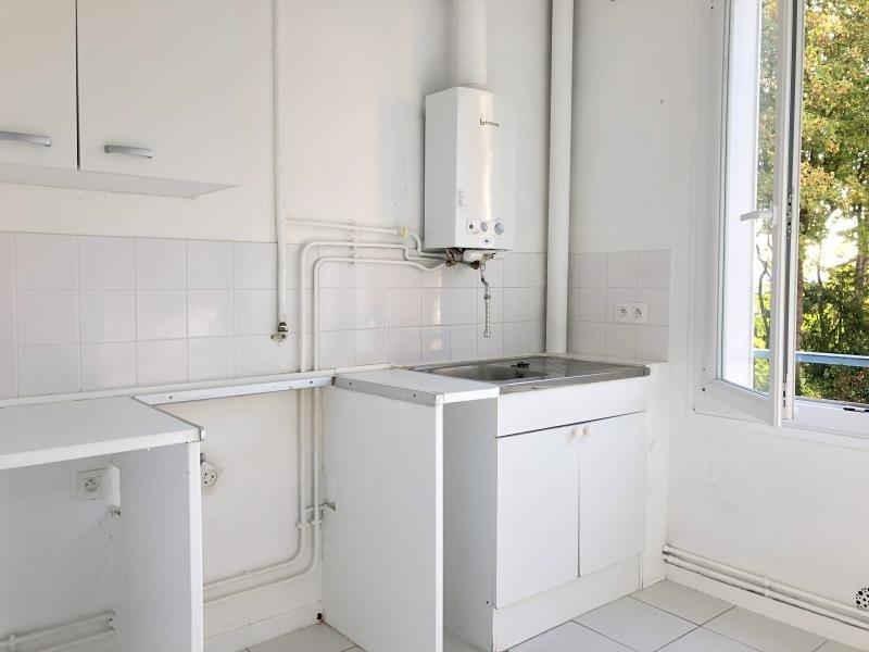Rental apartment Le pecq 915€ CC - Picture 2