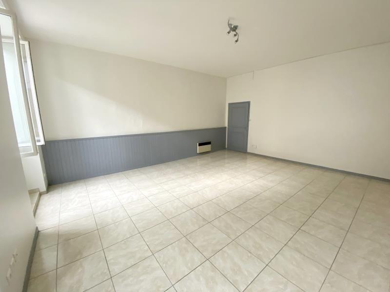Rental apartment Orgon 610€ CC - Picture 1