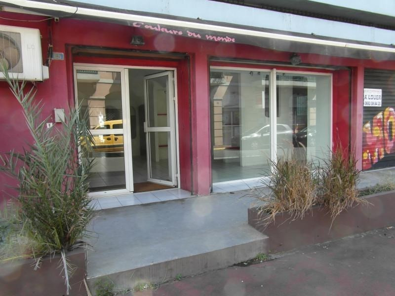 Location local commercial St denis 1 732€ HT/HC - Photo 1