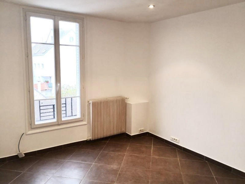 Location appartement Colombes 940€ CC - Photo 3