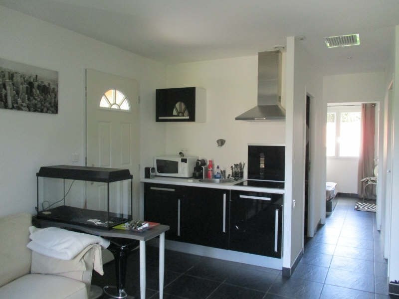 Rental apartment Nimes 550€ CC - Picture 1