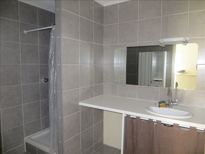 Rental apartment Ste foy les lyon 1100€ CC - Picture 5