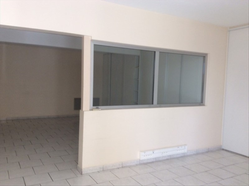 Location local commercial Cholet 2 200€ HT/HC - Photo 4