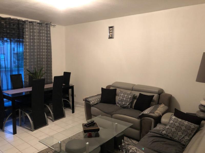 Location appartement Aix en provence 879€ CC - Photo 3
