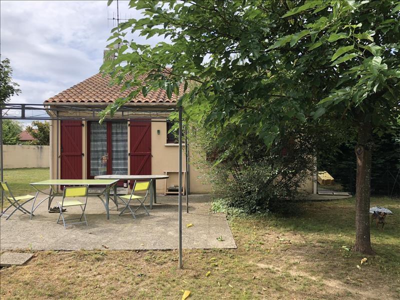 Sale house / villa Jallais 145570€ - Picture 6